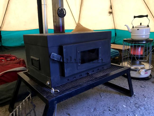 何がなんでもキャンプだし 久保キャンプ場 薪スト 温度計 調整 火力 ダウンシュラフ バアラック ストレージバッグ ロスコ Lサイズ