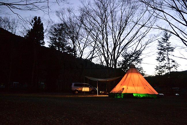 何がなんでもキャンプだし 水之元オートキャンプ場 吉田うどん 天ぷら 第1キャンプ場 第2キャンプ場 ココア 散歩 誰もいない 樹氷 テンティピ
