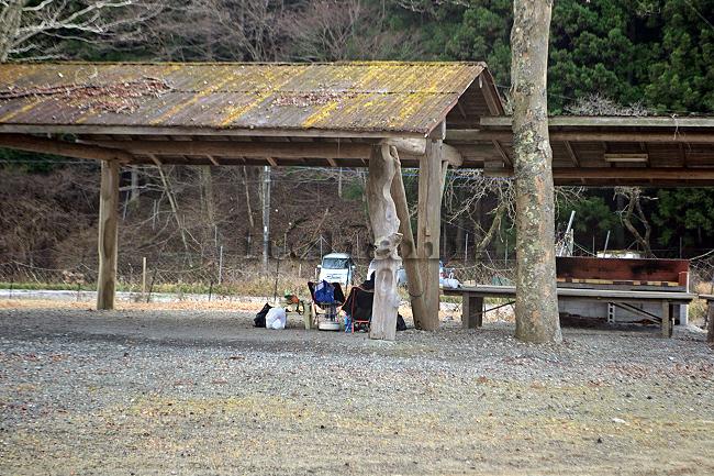 何がなんでもキャンプだし 水之元オートキャンプ場 エリステ エリッゼステーク 鍛鉄 ペグ スタッドレス タイヤ ココア TC 結露