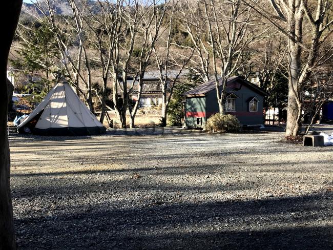 何がなんでもキャンプだし 水之元オートキャンプ場 ペタマックス コテージ ペヤング 薪スト 冬キャンプ 道志上 きこり 広葉樹薪 ストーブ薪