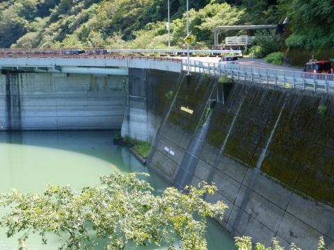 城山ダム・津久井湖城山ダム