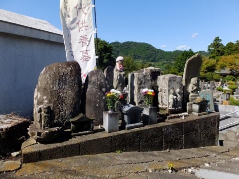 大蔵寺の石造物