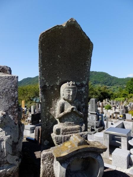 大蔵寺の石像物