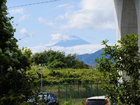 倉見駅より富士山を望む