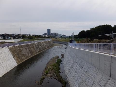 中村橋より引地川下流を望む