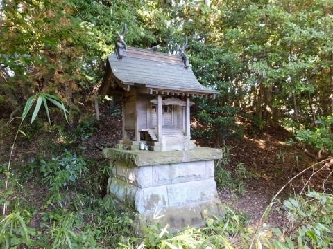 宝泉寺裏山の祠(小松城城址)