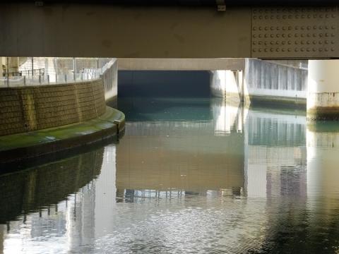 帷子川分水路トンネル出口