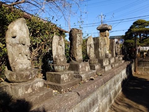 南光寺の石像物群