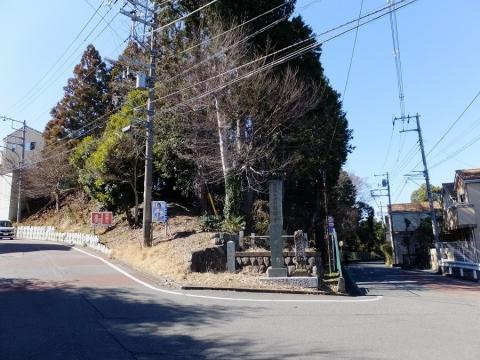 龍像寺参道入口