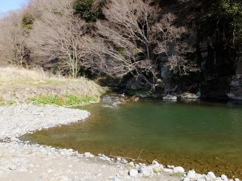 相模川に合流する大堀の余水排水路