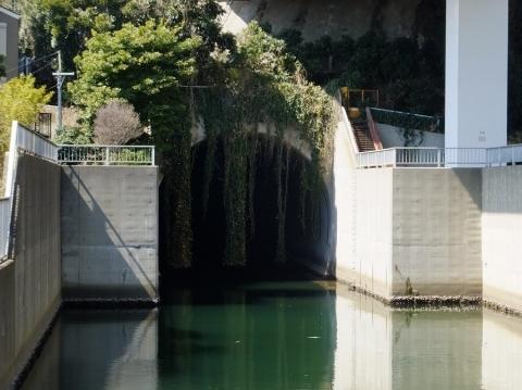 大岡川トンネル出口