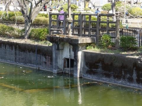 鹿沼公園の鹿沼・排水ゲート