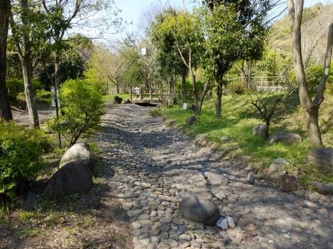 相模川自然の村・四季の小川