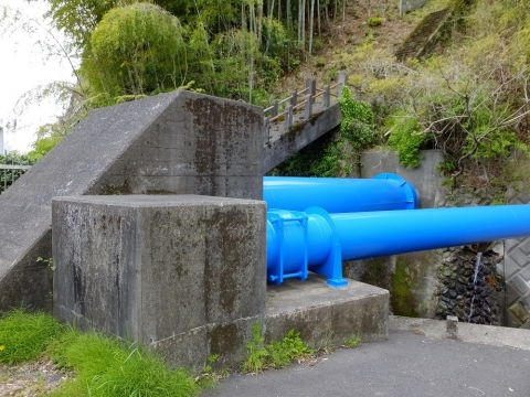 谷津川の水管橋