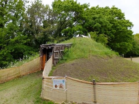 勝坂遺跡公園・竪穴住居