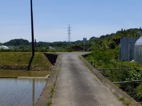 葉山島の小河川と下河原川の立体交差