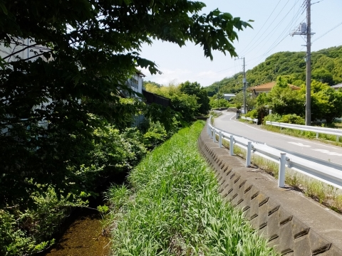 清水橋より藤木川上流方向の眺め