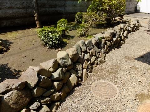 宗格院の石見土手の遺構