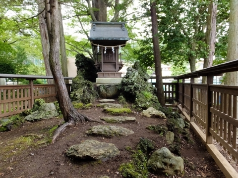 月見が池の江の島神社(弁財天)