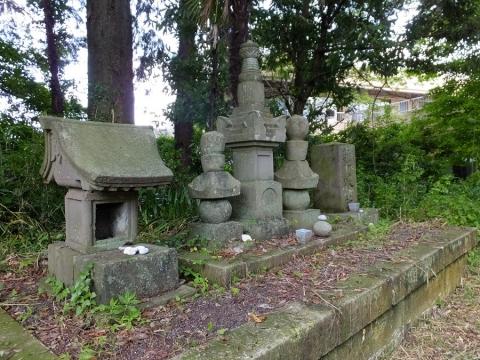 阿蘇神社参道の石造物