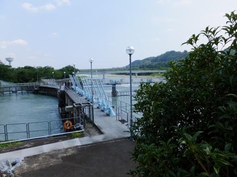東京都水道局羽村取水堰(投渡堰)