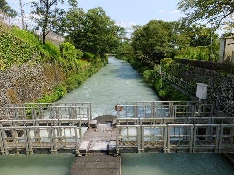 羽村取水堰・第2水門と玉川上水