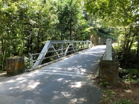 西沢に架かる鉄橋