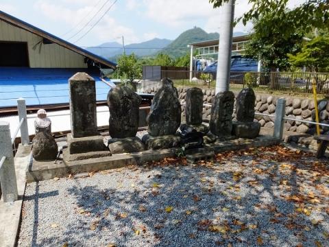 上野原市山風呂・石造物群
