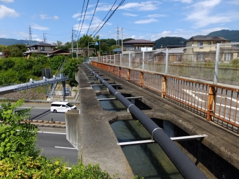上野原用水・中央道水路橋