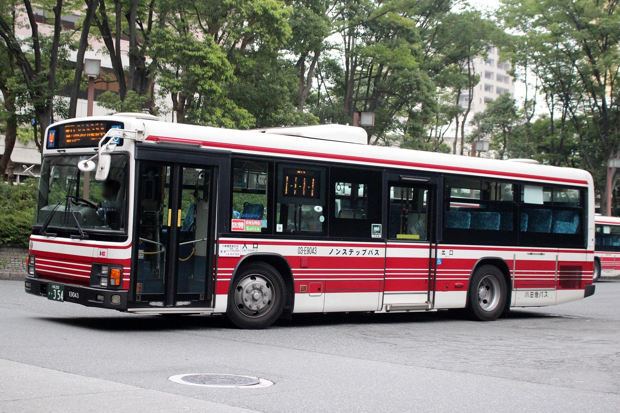 小田急バス 03-E9043