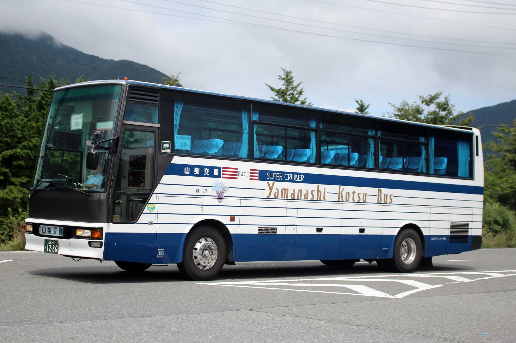 山交タウンコーチ B405