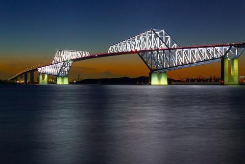 1280px-Tokyo_Gate_Bridge_5.jpg