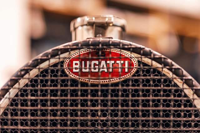 01_bugatti-macaron_automotive-1.jpg