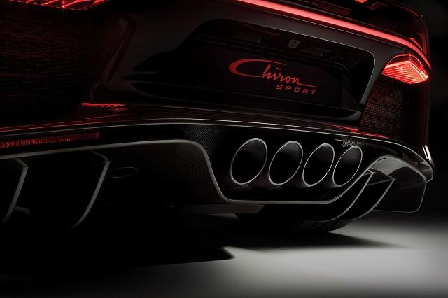 03_bu_chiron-sport_exhaust-detail.jpg