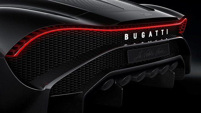 05_bu_la-voiture-noire_exhaust-detail.jpg