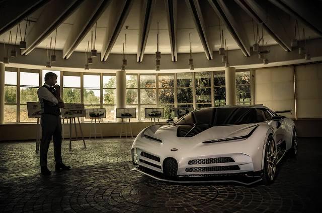 Bugatti-Centodieci-894 (4)