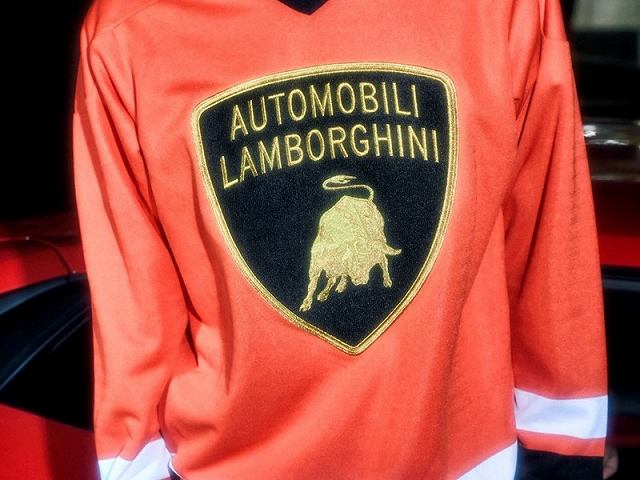 LamborghiniとSupreme (10)