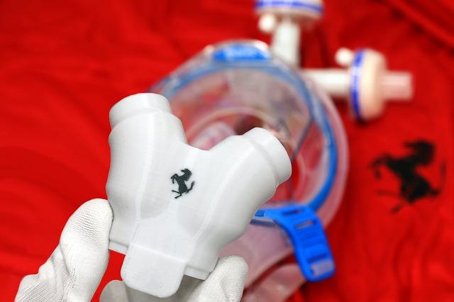 フェラーリ製人工呼吸器 (1)
