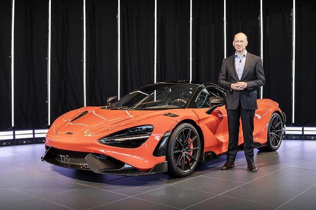 McLaren-765LT-and-McLaren-Automotive-CEO-Mike-Flewitt (1)