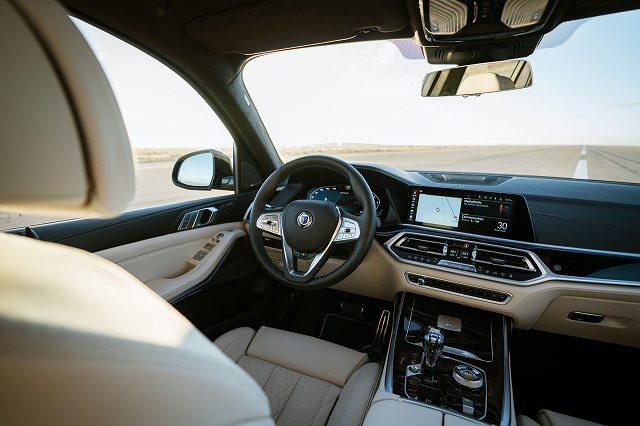 2021-BMW-アルピナXB7-1 (4)