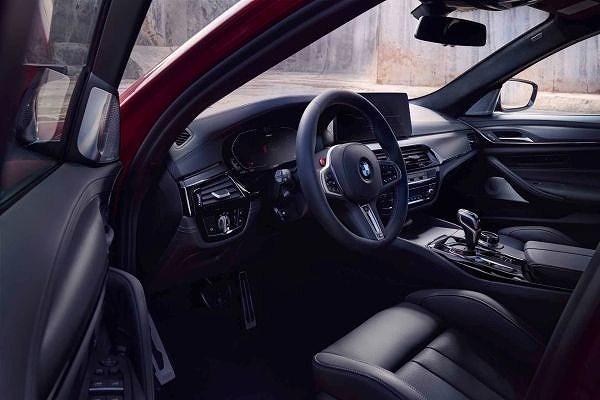 BMW M5コンペティション (3)