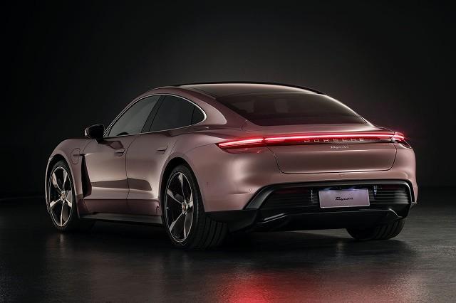 Porsche-Taycan-RWD77h (8)