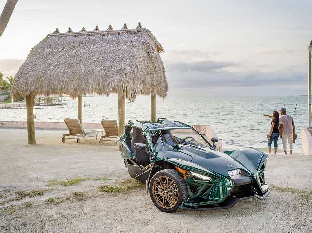 Polaris_Slingshot_Grand_Touring_LE_ (2)
