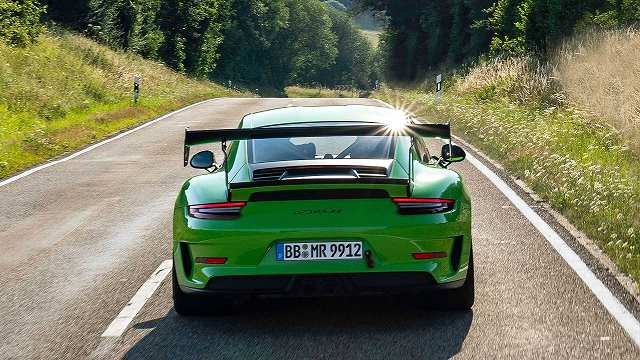 Manthey-Racing-Porsche-911-GT3-RS-1@@@@ (4)