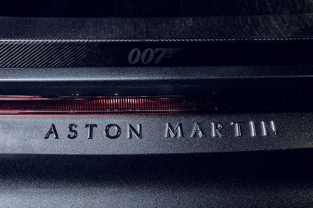 2021-aston-martin-dbs-vantage-007 (8)