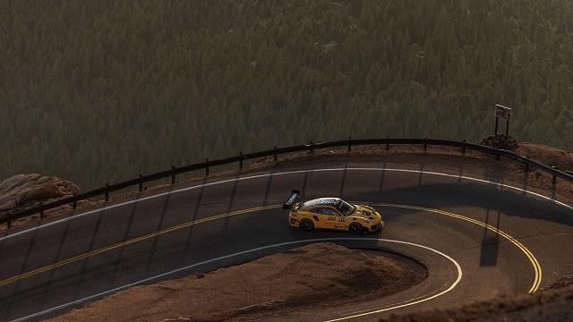 911 Porsche 911 GT2 RS Clubsport Clubsport (1)