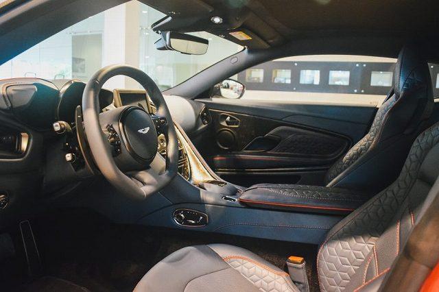 Aston-Martin-DBS-max-Verstappen (3)