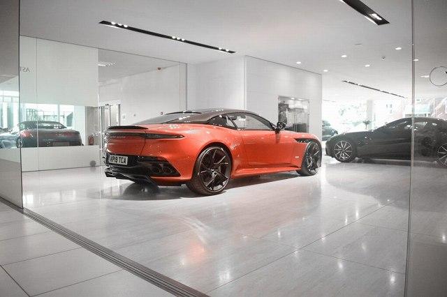 Aston-Martin-DBS-max-Verstappen (4)
