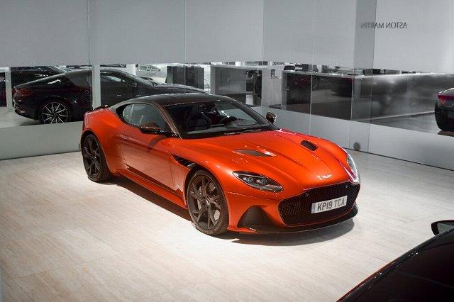 Aston-Martin-DBS-max-Verstappen (1)
