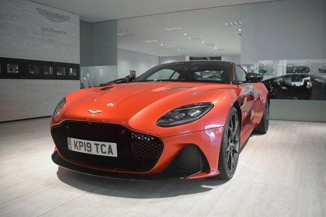 Aston-Martin-DBS-max-Verstappen (2)